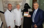 تفقد الدكتور عدنان الوحيدي عيادات الجمعية التابع لها برفقة فريق المشروع