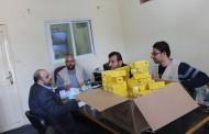 جمعية أرض الانسان الفلسطينية تقدم فيتامين مدعم للأطفال داخل الحجر الصحى